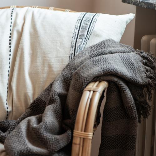 Tæpper, plaider og puder