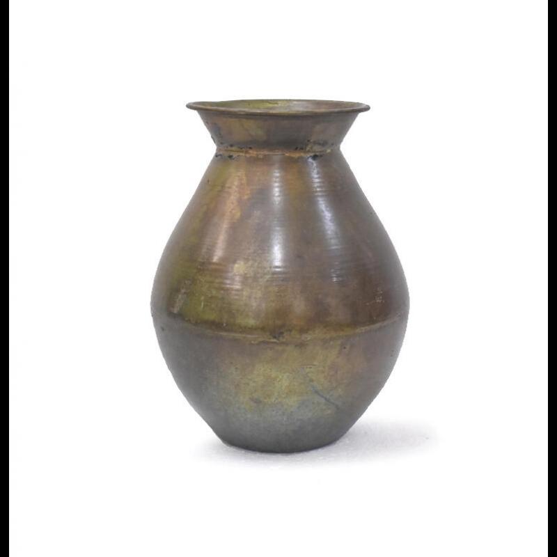 Vase i antique messing