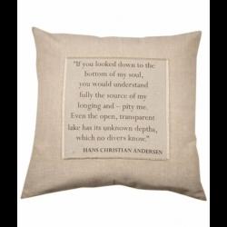 Pudebetræk med citat fra Hans Christian Andersen